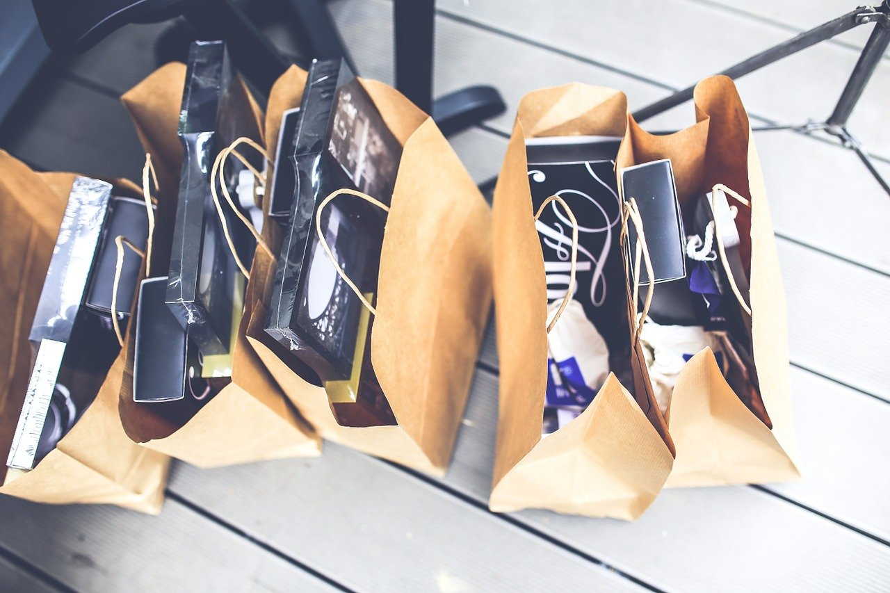 Image of paper gift bags