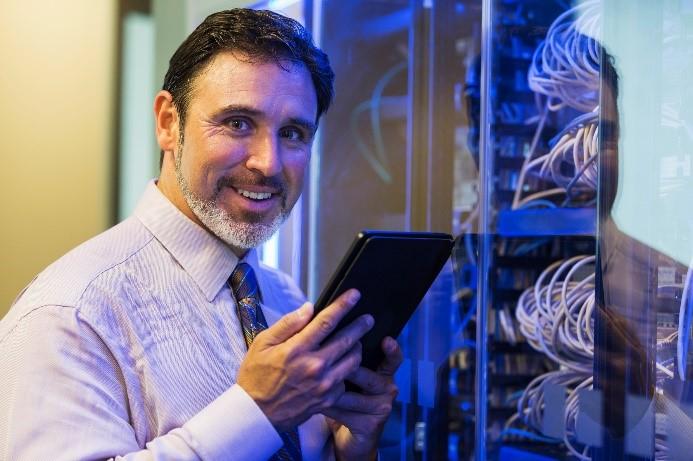 Devenez technicien ou technicienne en réseaux et cybersécurité!